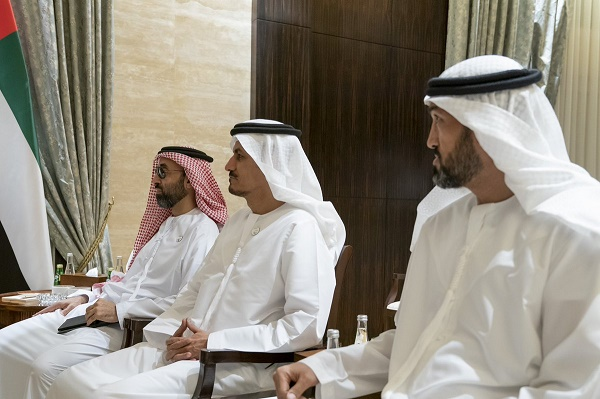 Speaker of the House of Representatives meets Sheikh Mohammed bin Zayed 20990619_AR_1559914447_D8dKrsGXUAA4UN2