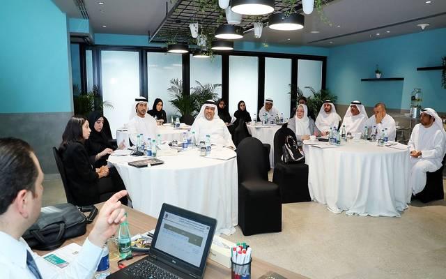 """""""المؤشر الوطني"""" يبحث سبل تعزيز جهود جذب الاستثمار الأجنبي للإمارات"""