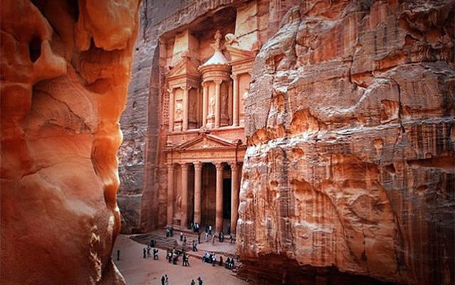 معلم البتراء السياحي بالأردن