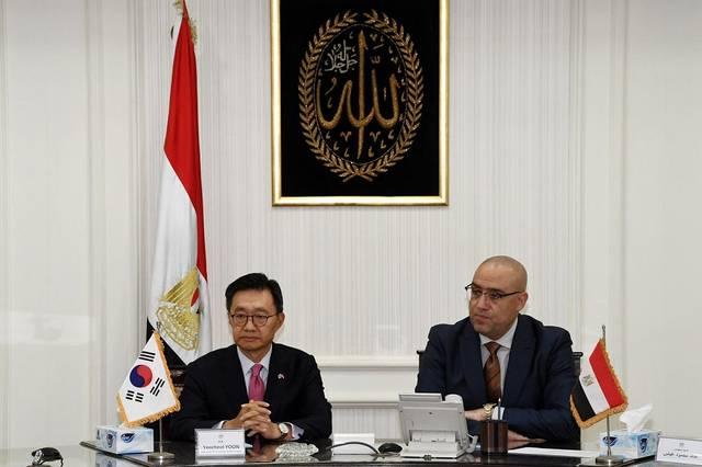 وزير الإسكان والمرافق والمجتمعات العمرانية عاصم الجزار خلال لقاء وفد كوريا الجنوبية