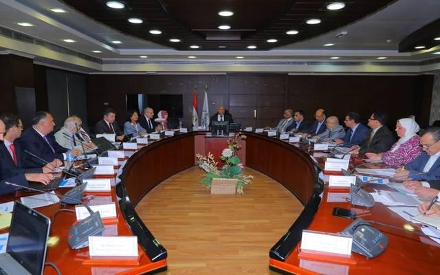 """مصر تبحث مع البنك الدولي إنشاء خط بضائع """"6 أكتوبر-الإسكندرية"""""""