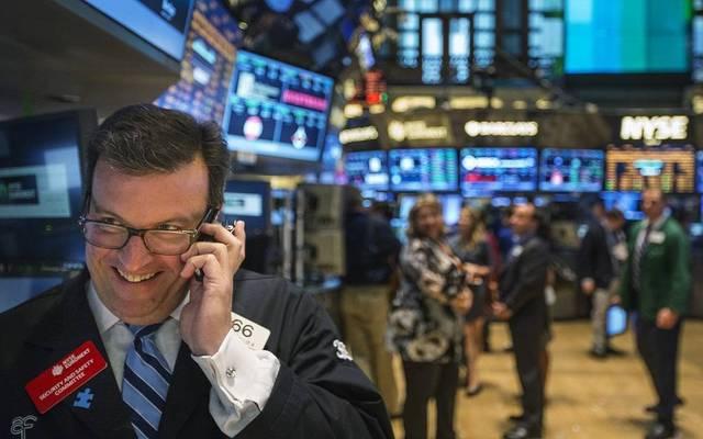 """محدث..""""داو جونز"""" يرتفع 400 نقطة بالختام بدعم أسهم التكنولوجيا والبنوك"""