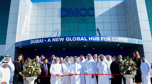 حشدٌ من كبار الشخصيات الاقتصادية بالإمارات أثناء حفل افتتاح مركز دبي للقهوة اليوم، الصورة أرشيفية