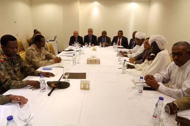 جانب من اجتماع المجلس العسكري الانتقالي وقوى إعلان الحرية والتغيير- أرشيفية