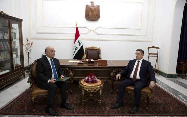 الرئيس العراقي برهم صالح، خلال استقبال رئيس الوزراء المكلف عدنان الزرفي