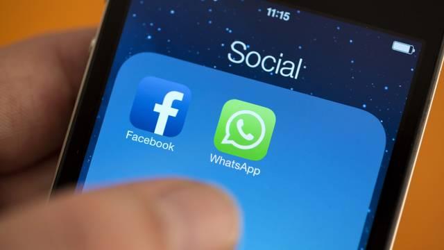 """مواقع التواصل الاجتماعي تخضع لـ """"المضافة"""" بالإمارات"""