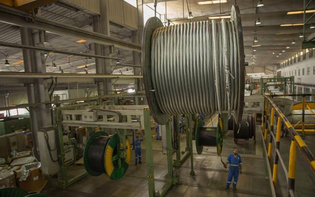 خطوط تصنيع وإنتاج الكابلات داخل شركة الكابلات العُمانية