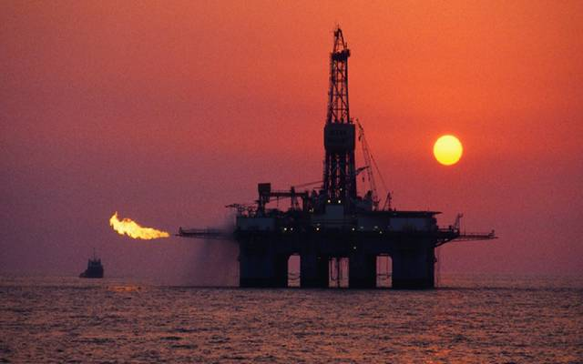 "أسعار النفط تعمق خسائرها.. و""نايمكس"" دون 61 دولاراً"
