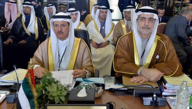 سلطان بن سعيد المنصوري وزير الاقتصاد الإماراتي خلال مشاركته في القمة العربية الاقتصادية في بيروت