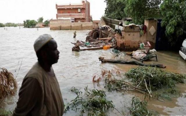 الفيضانات تصرب السودان والاقتصاد في أزمة بسبب ارتفاع الدولار