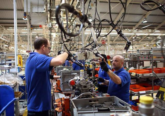 UK industrial output declines 0.8% in 3M