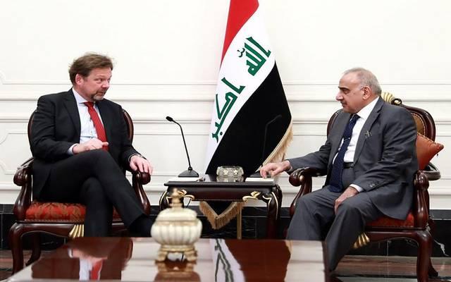 رئيس الوزراء العراقي، عادل عبدالمهدي، خلال استقباله مبعوث الحكومة الألمانية المدير السياسي في وزارة الخارجية الألمانية فيليب أكرمان