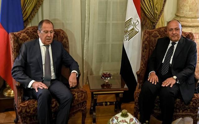 يعقد الوزيران شكري ولافروف مؤتمرًا صحفيًا مشتركًا في ختام المباحثات