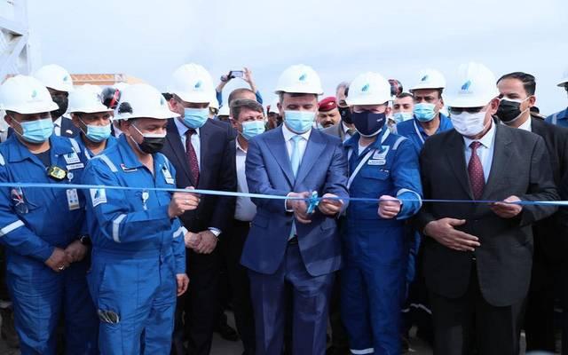 خلال افتتاح وزير النفط العراقي محطة كبس الغاز الخامسة في حقل الرميلة الشمالية
