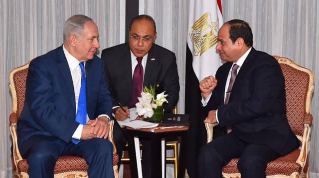 الرئيس عبد الفتاح السيسي ورئيس الوزراء الإسرائيلي بنيامين نتنياهو
