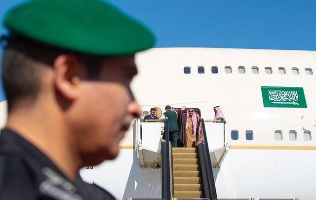 الملك سلمان بن عبدالعزيز آل سعود يغادر السعودية متوجهاً إلى عُمان