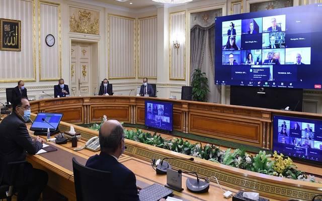 رئيس الوزراء يعقد اجتماعا مع ممثلي بعثة البنك الدولي المعنية بمنظومة تسجيل الأراضي والعقارات