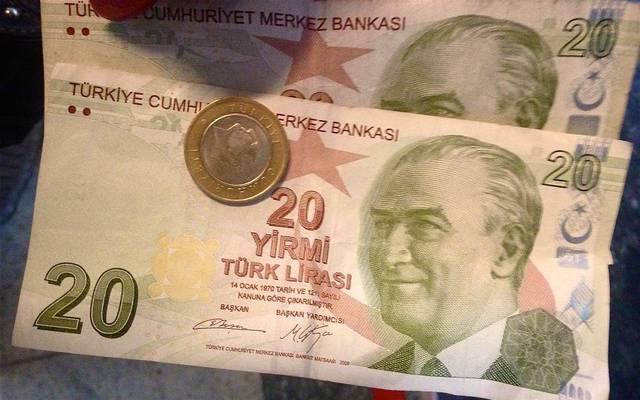 الليرة التركية تتراجع وتتجه لتسجيل خسائر أسبوعية
