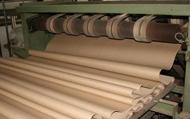 خط إنتاج داخل مصانع العُمانية للتغليف