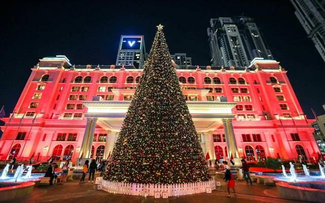 """تحليل.. """"الكريسماس"""" يشعل فنادق ومطارات الإمارات"""