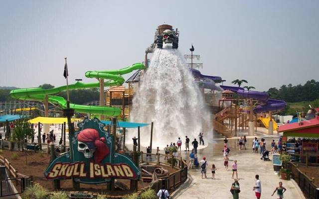 """شركة """"Six Flags"""" تقيم متنزهاً ترفيهياً بمدينة القدية السعودية"""