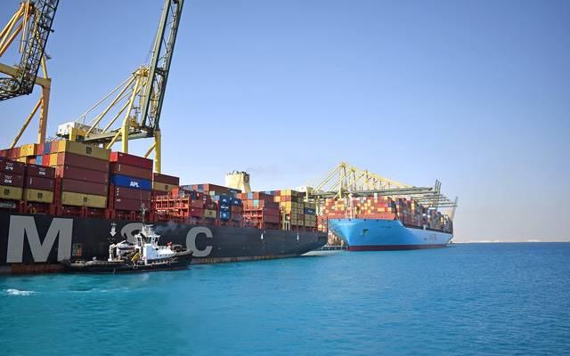 أعمال القطر والإرشاد بمناء الملك عبد الله