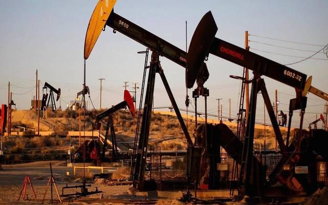 محدث.. النفط يقلص خسائره عند التسوية بعد بيانات المخزونات