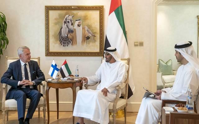 الإمارات تبحث تعزيز التعاون الاقتصادي والسياسي مع فنلندا