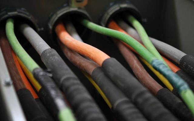 كابلات كهربائية