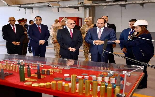 وزير الانتاج الحربي يرافق الرئيس السيسي خلال افتتاح مصنع 300 الحربي