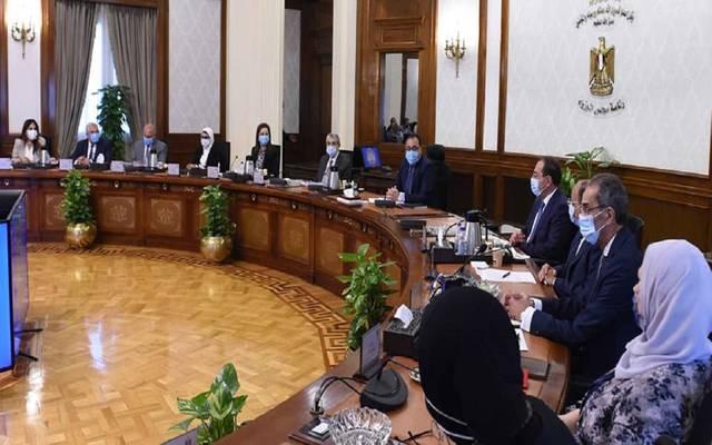 رئيس الوزراء يتابع الموقف التنفيذي لمشروعات تطوير الريف المصري