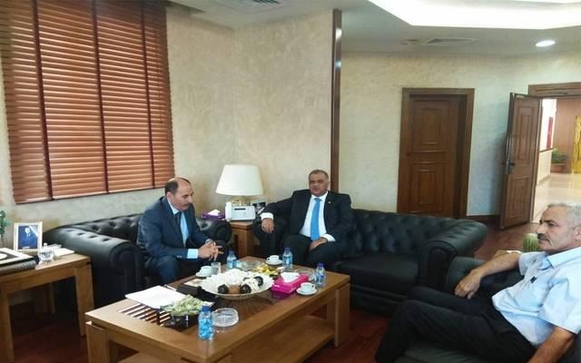 """وزير الأشغال مع  أمين عام الهيئة العربية للطاقة المتجددة """"أريك"""""""