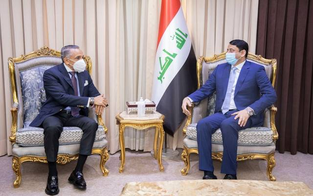الأمين العام لمجلس الوزراء العراقي، حميد نعيم الغزي، خلال استقباله السفير المصري في بغداد، علاء عبد المنعم موسى