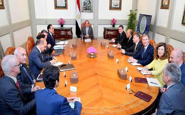 السيسي: مصر تعتزم تطوير مصانع الغزل والنسيج..بالتعاون مع الشركاء الأجانب