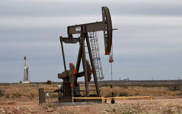 أحد حفارات النفط الأرضية