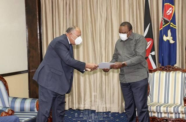 وزير الخارجية يسلم الرئيس الكيني رسالة من السيسي بشأن مفاوضات السد الإثيوبي