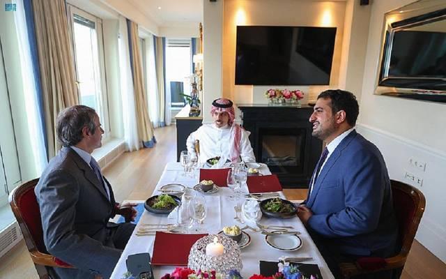 وزير الخارجية السعودي خلال لقاء مدير الوكالة الدولية للطاقة الذرية