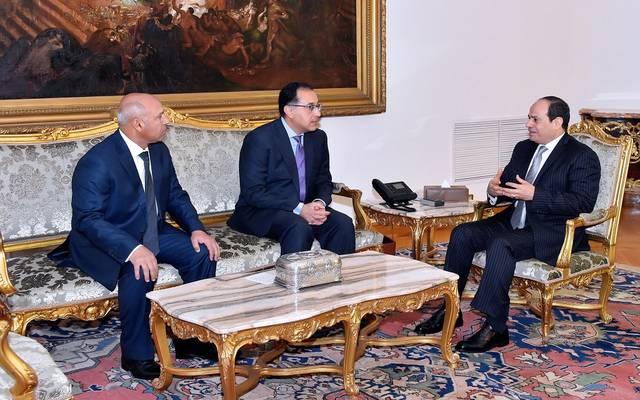 """بالصور.. كامل الوزير يؤكد """"الانضباط"""" كشعار لسكك حديد مصر"""