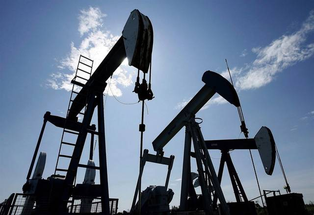 US crude stockpiles plunge beyond forecasts; prices trim losses