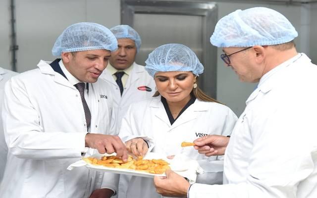 وزيرة الاستثمار سحر نصر، خلال افتتاح مصنع فارم فريتس الجديد