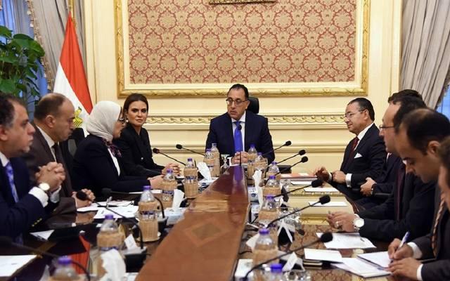 رئيس مجلس الوزراء مصطفى مدبولي مع رئيس مجموعة GK الاستثمارية السويسرية كمال بن الجيلاني الغريبي