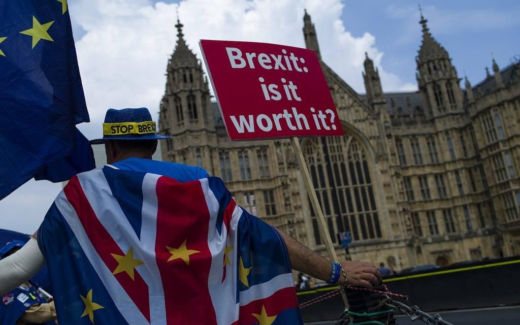 """صحيفة: قادة أوروبا يلقون """"صفقة البريكست"""" في ملعب بريطانيا"""