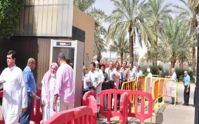 بدء توافد المصريين على السفارة بالرياض وجدة..للاستفتاء على التعديلات الدستورية