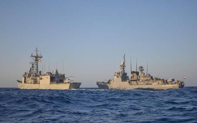 القوات البحرية المصرية والأسبانية تنفذان تدريباً بحرياً في نطاق الأسطول الجنوبى بالبحر الأحمر