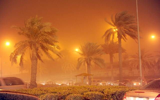 الداخلية الكويتية تحذر من عدم استقرار الأحوال الجوية