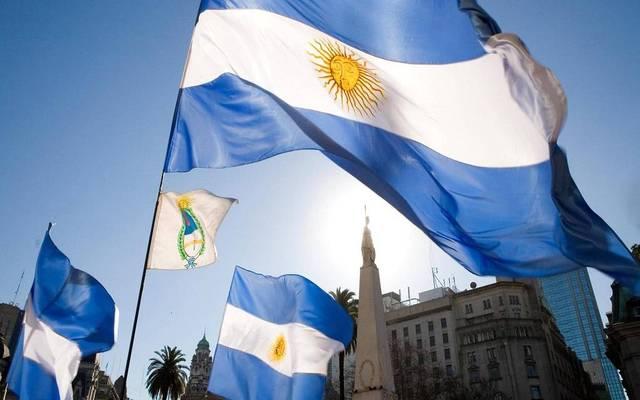 الأرجنتين تخفض معدل الفائدة لـ44% مع تباطؤ التضخم