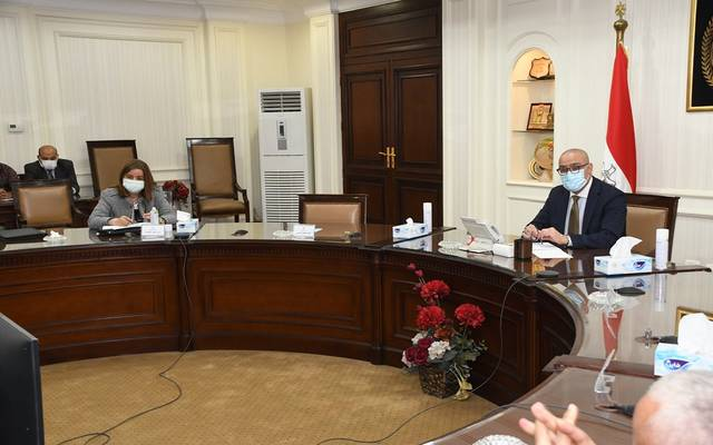 """وزير الإسكان يتابع الموقف التنفيذى للوحدات السكنية بالمبادرة الرئاسية  """"سكن لكل المصريين"""""""