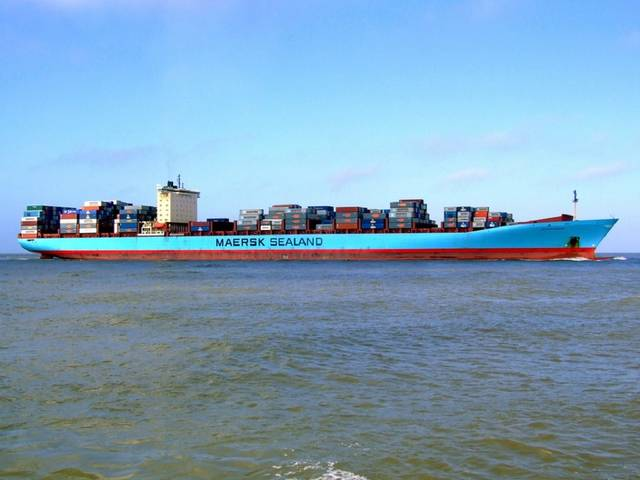 Maersk helped by trade recovery, but misses expectations