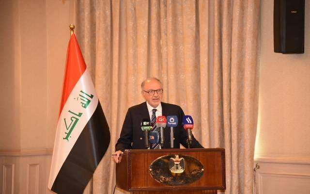 وزير المالية العراقي، علي علاوي، خلال مراسم توقيع عقد نظام الأتمتة الجمركية مع مؤتمر الأمم المتحدة للتجارة والتنمية