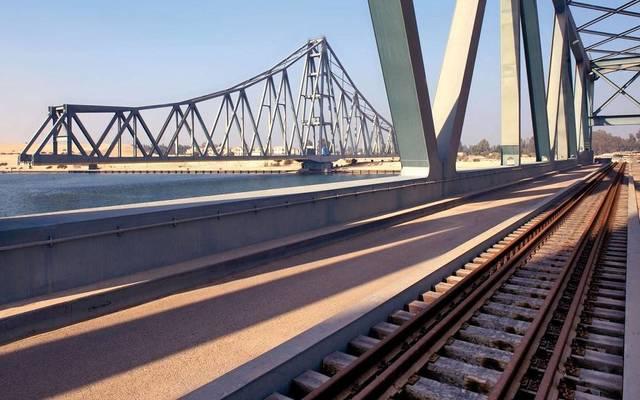 تابعة لأوراسكوم كونستراكشون تفوز بعقد بناء لمشروع قطار بأمريكا
